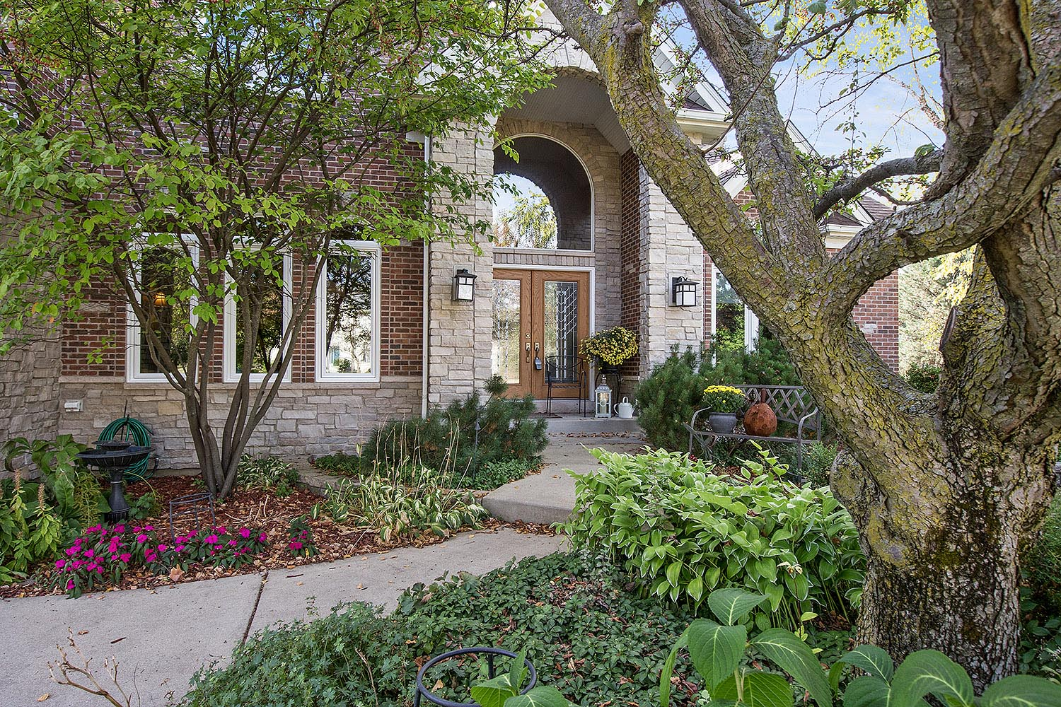 939 000 4211 delaware ct in naperville river run 5 beds